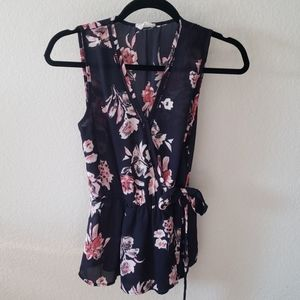 Size small sleeveless top